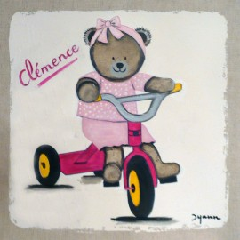 Nounours sur son tricycle