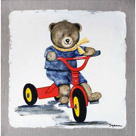 Nounours fait du tricycle